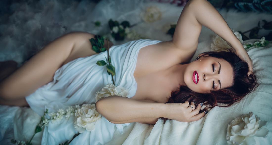 Kelowna boudoir glamour photography Bonne Belle Portraits