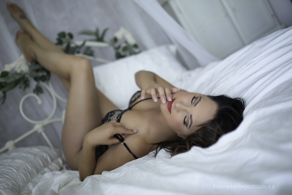 kelowna boudoir photographer, bonne belle portraits, boudoir